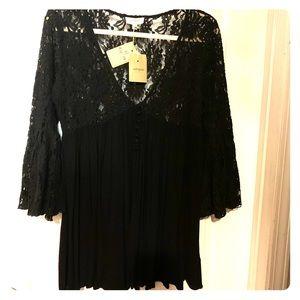 NWT Umgee blouse size Medium